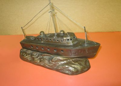 Antique boat Lamp modelled after the British Power Boat Co. Type Two (HSL) Whaleback